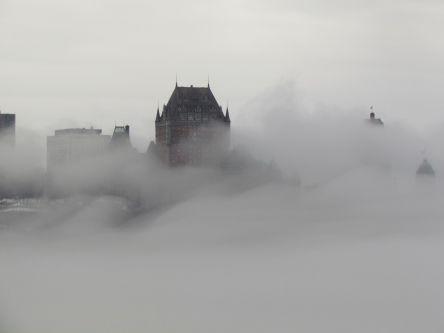 Québec vue de l'escalier rouge de Lévis 15 avril 2014-2