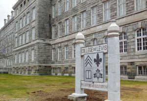 College de Levis Devise 2015-04-24 - 1