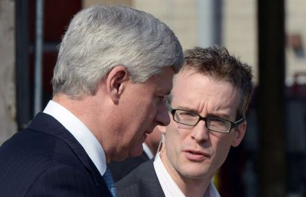 Harper et Ray Novak Photo Presse canadiene_Devoir 19-2015