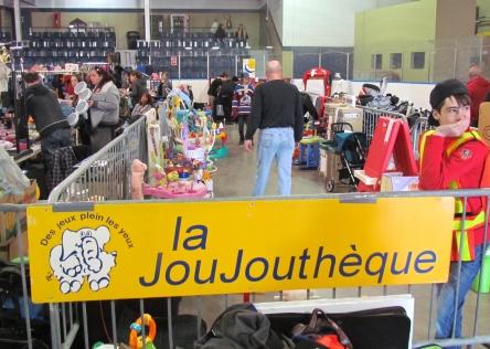 Levis marche aux puces arena andre-lacroix 30-04-2016 a1