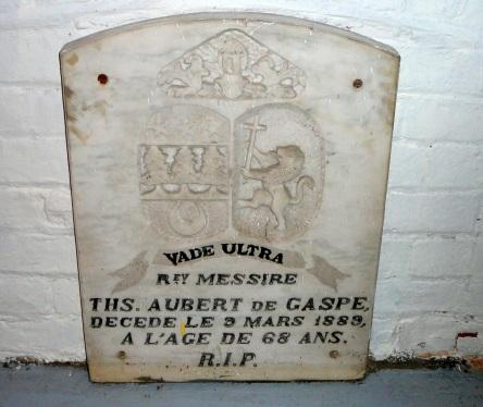 crypte aubert-de-gaspe-ths eglise-notre-dame levis_Fils de Gaspe-p.-a.-de 2007-06-30_2