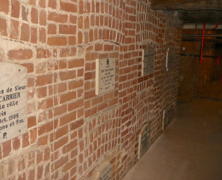 crypte carrier-augustin eglise-notre-dame levis 2008-11-20 (40)