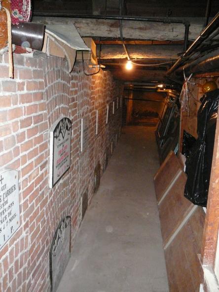 crypte carrier-hubert et al eglise-notre-dame levis 2007-06-30M