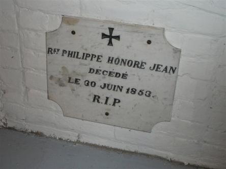 crypte jean-philippe-honore eglise-notre-dame levis Plus ancienne des plaques photographiees par rm 2007-06-30_3