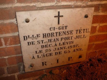 crypte tetu-hortense Dell eglise-notre-dame levis 2008-11-20 (21)