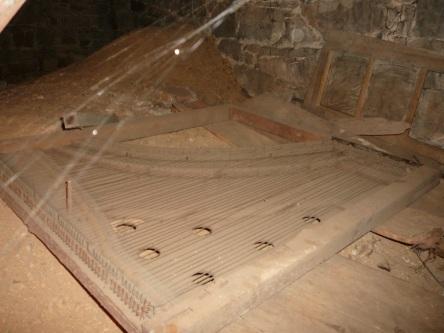 crypte varia eglise-notre-dame levis 2008-11-20 (29)