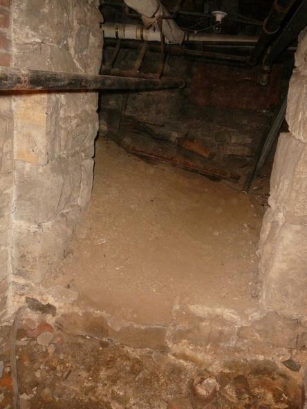 crypte varia eglise-notre-dame levis 2008-11-20 (36)