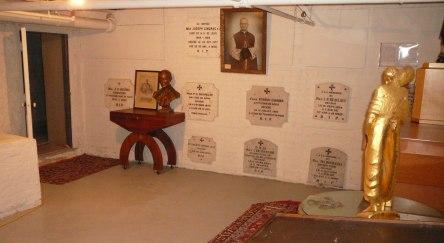 crypte varia eglise-notre-dame levis 2008-11-20s