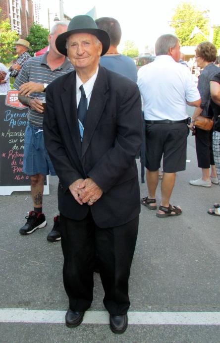 Montmagny-rue-st-jean-baptiste_homme de 82 ans_ carrefour-accordeon 03-09-2016 c